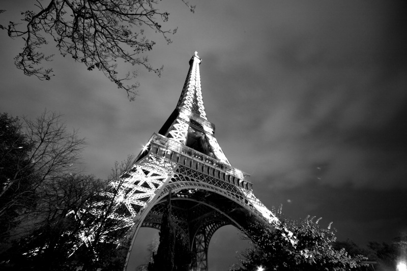 Eiffel tower_different perspective_1