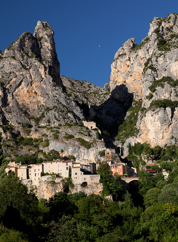 Moustiers Sainte Marie_Day