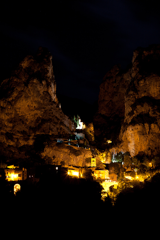 Moustiers Sainte Marie_Night
